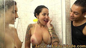 96715b597db2c97a26317124eb96cad2.19 - Personal comendo suas alunas gostosas Elisa Sanches e Melissa Lisboa