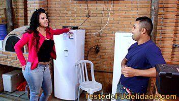 51ff5a3c1a9595166d2a3a31aaf97291.12 - Morena cavala seduzindo técnico de tv casado